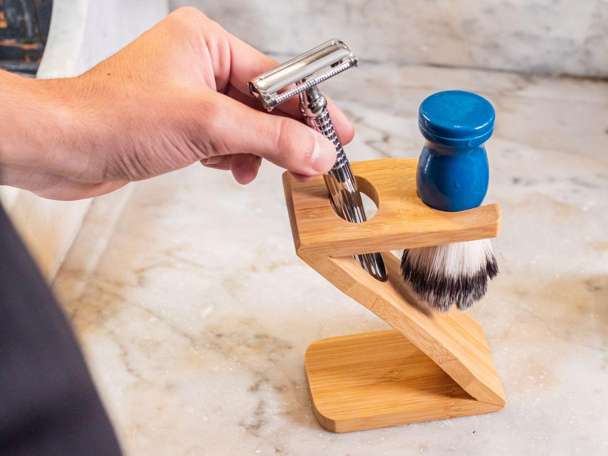 Support rasoir et blaireau en bambou + Blaireau de rasage