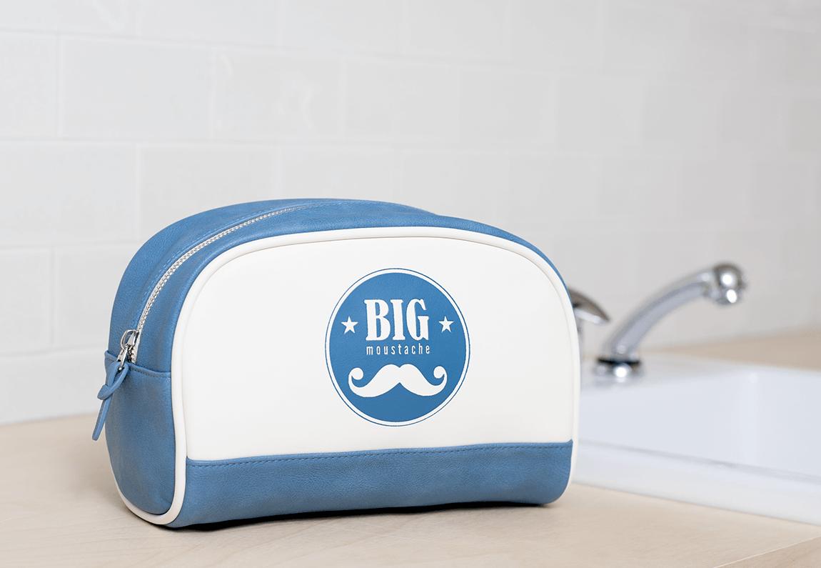 Trousse de toilette pour être propre partout - Big Moustache