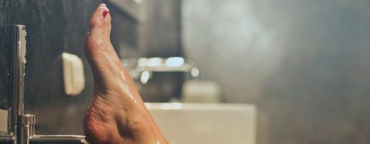 eau douche pour laver pieds
