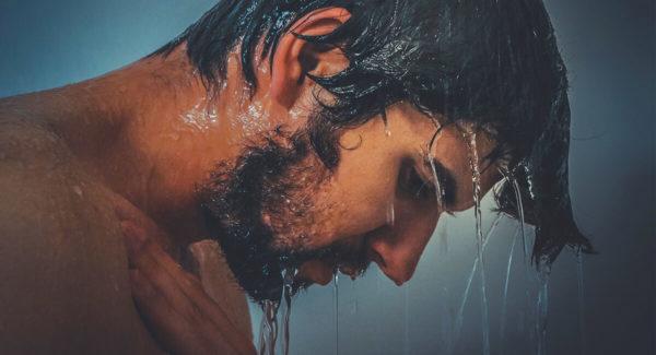 Comment se raser sous la douche