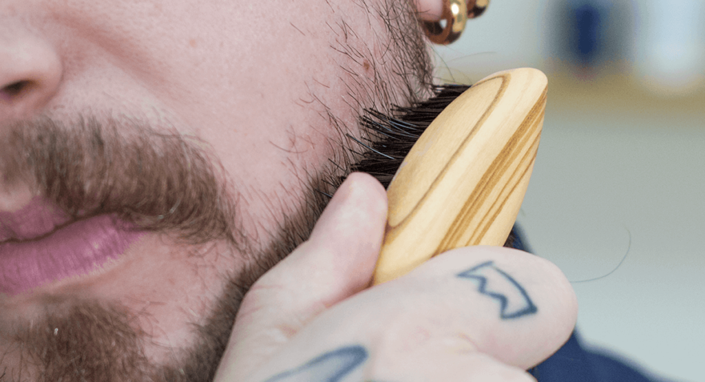 Brosse à barbe big moustache