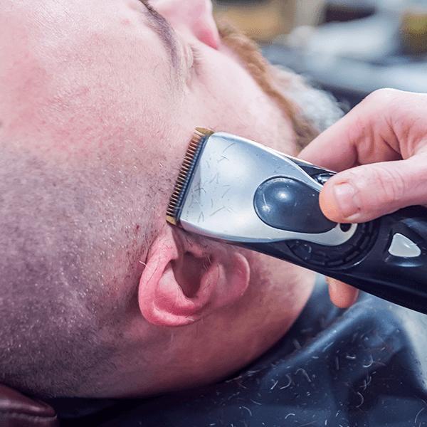 Fondre cheveux et barbe dégradé