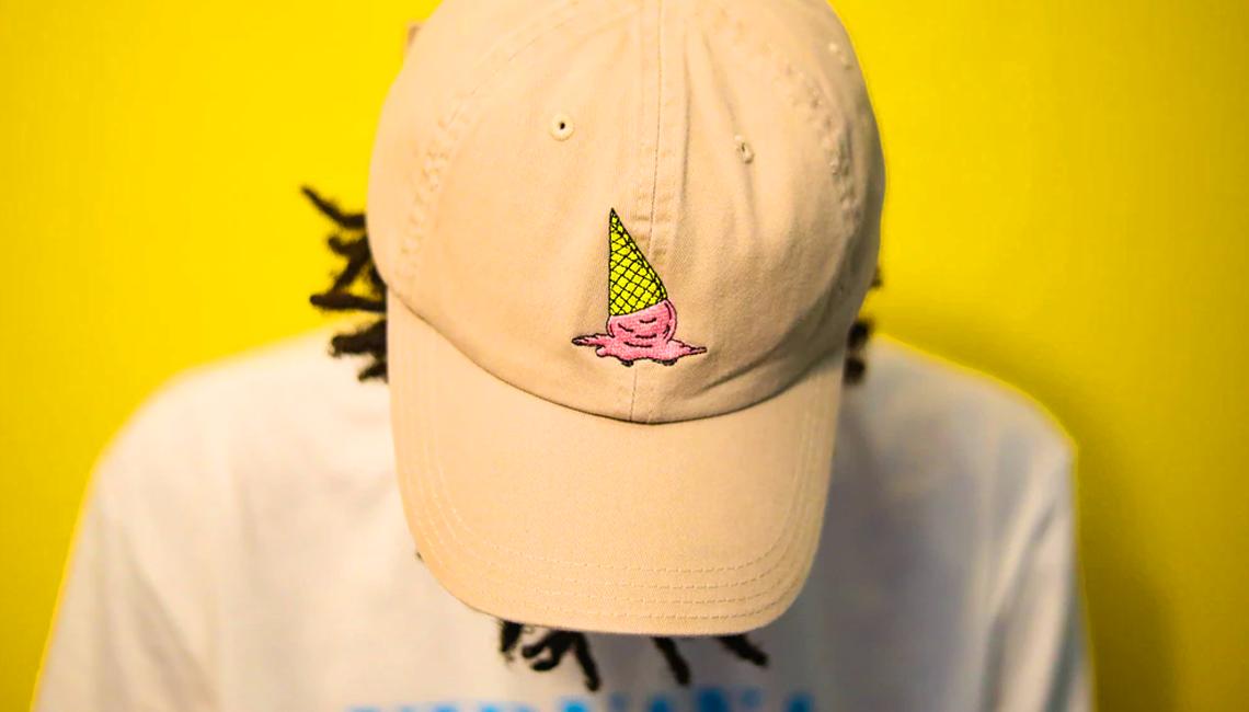 casquette jaune homme